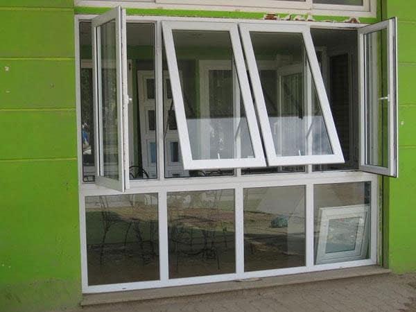 Cửa sổ mở hất nhôm kính Xingfa