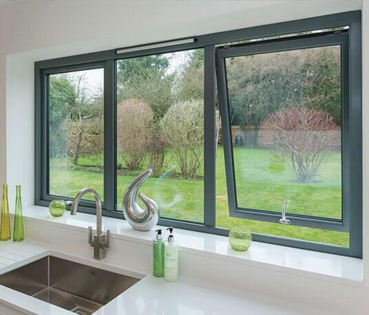 Mẫu cửa sổ mở hất nhôm kính Xingfa(Cửa sổ mở ra ngoài sẽ làm tăng may mắn và sức khỏe cho các thành viên)